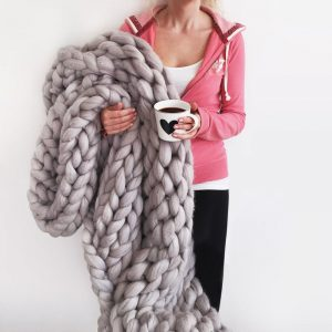 extreme chunky knitted blanket 3